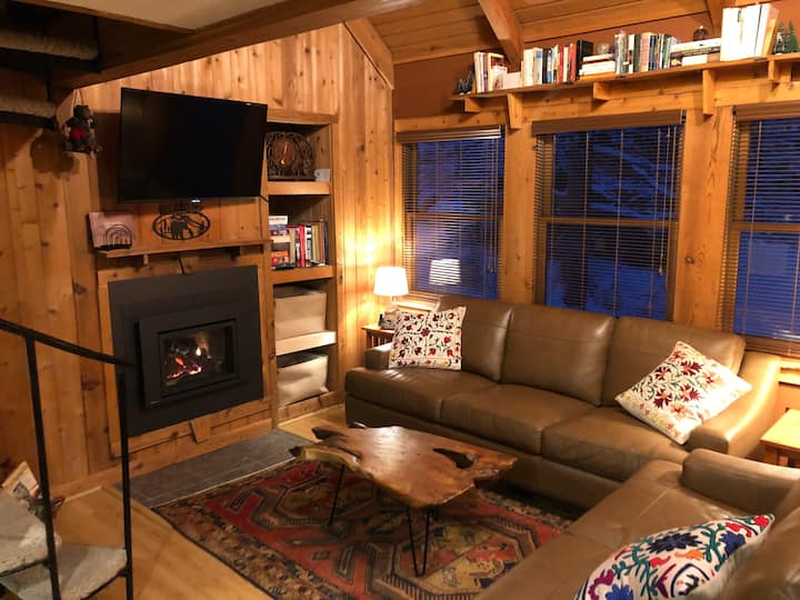 Lucky Bear - Modern Cabin at the Black Bear Resort
