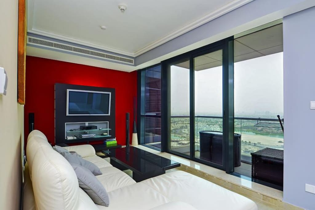 Living room over viewing Jumeirah Islands.