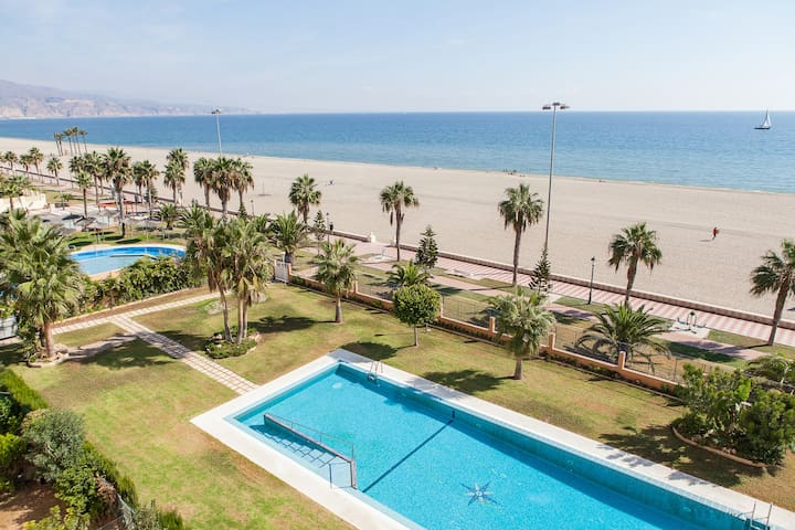 House in beachfront wifi 3 rooms - Roquetas de Mar - Flat