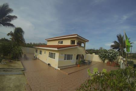 BEAUTIFUL HOUSE IN SANTA CRUZ ARUBA - Santa Cruz