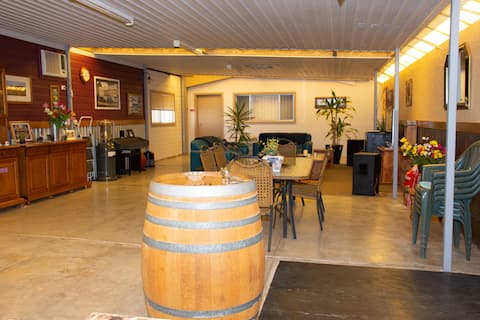 Chrissie's Dongara -Family Suite 1 night