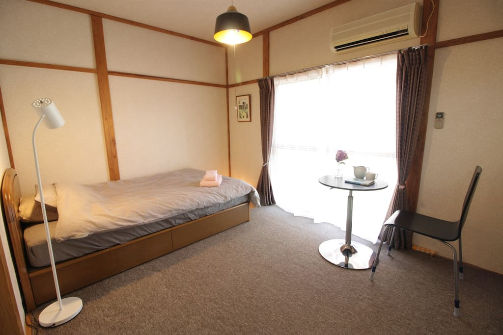 One Simmons Semi-double bed for one person stay.