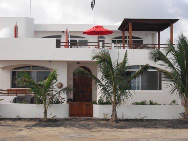 Seafront Mediterranean Style Villa  - Puerto Villamil, Isla Isabela - Ev