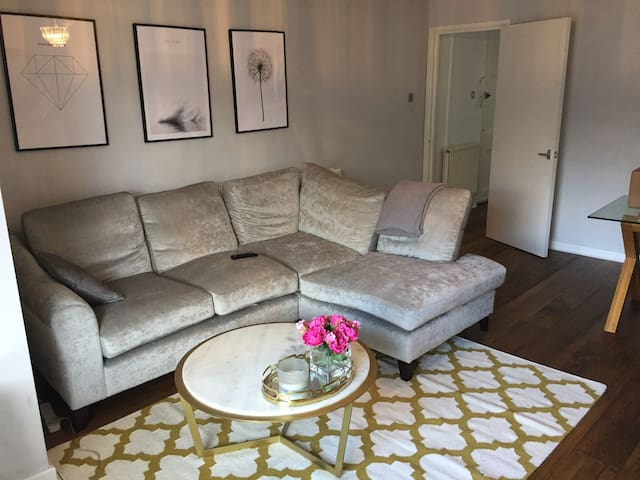1 double bedroom duplex apartment