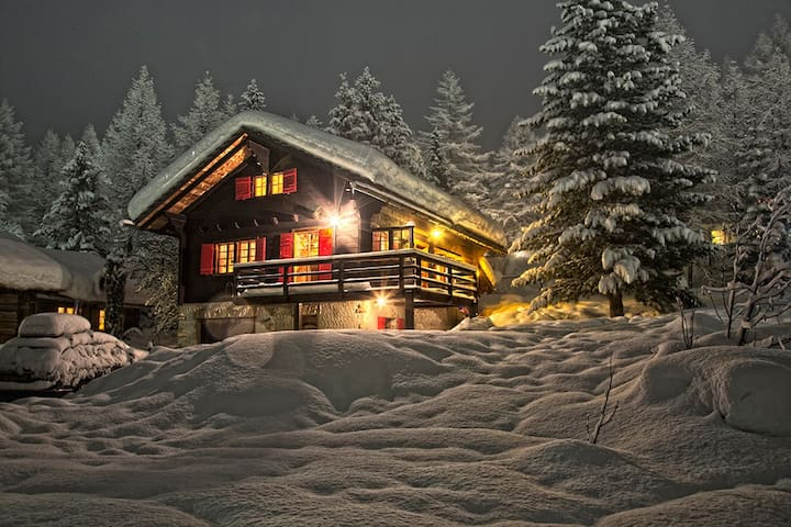 Authentic and cosy family chalet - Ayer - Chalet