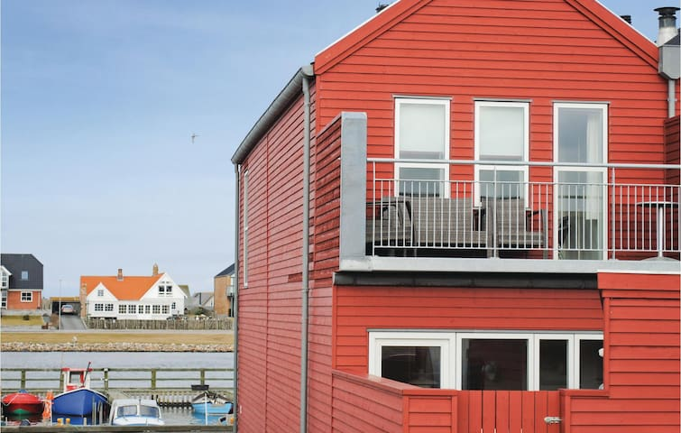 Holiday cottage with 2 bedrooms on 105m² in Ulfborg