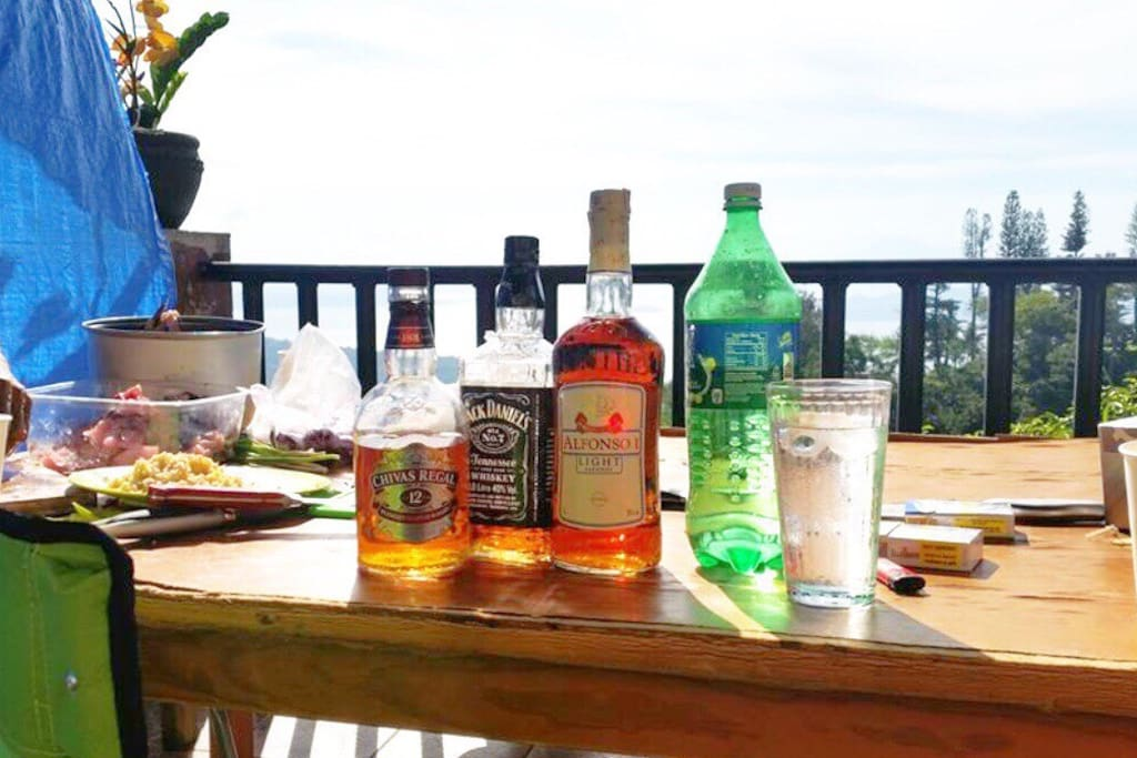 A little drinks to keep your body temperature a little higher on this cold weather in Tagaytay !!  @ the gazebo