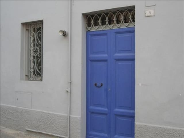 The flat with the purple door - Poggio Mirteto - Apartemen
