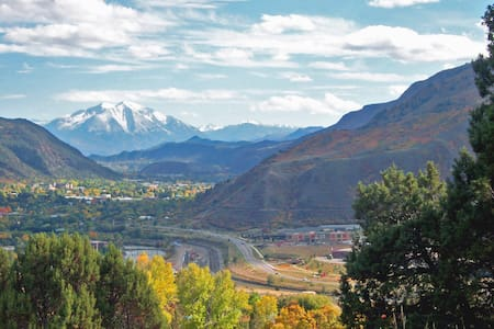 Henrie House At Sunny Acres - 2 bedrooms - Glenwood Springs - Hus