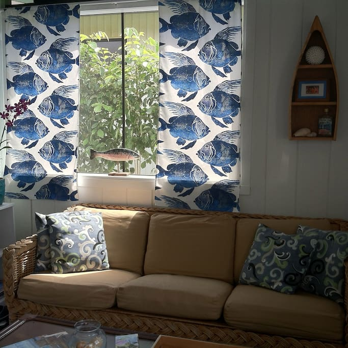 Feel the cool tradewinds blowing as you relax and unwind...