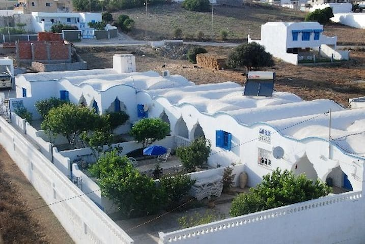 guesthouse sea mountain Tunisia - Al Huwariyah - Hus