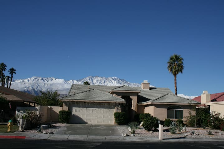 Lovely House in Palm Springs area - Cathedral City - Haus