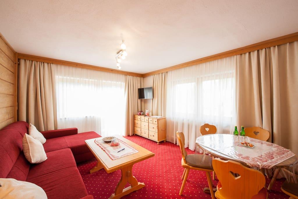 Wohn- Eßzimmer in der Wohlfühl-Whng Alpenperle
