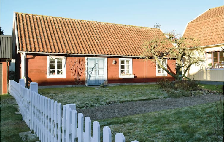 Former farm house with 1 bedroom on 74 m²