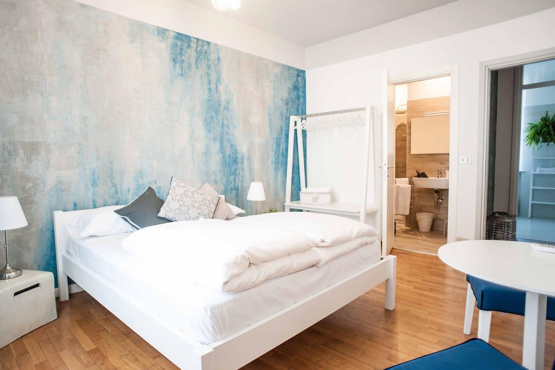 Stanza matrimoniale privata Camera del Giullare - Stop & Sleep Venzone