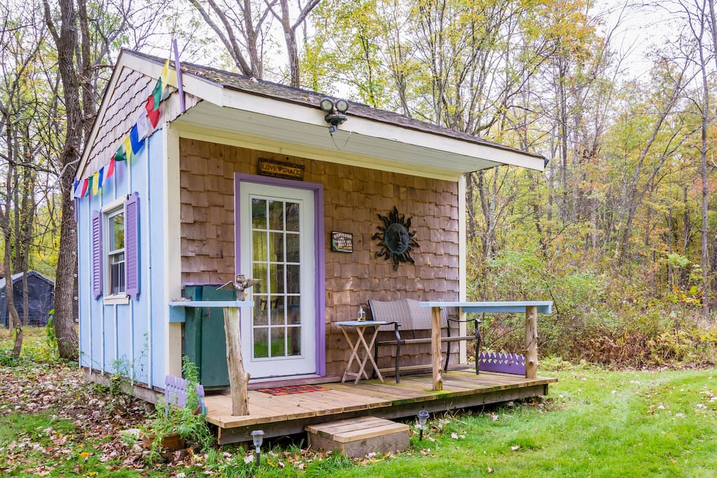 tiny houses on airbnb