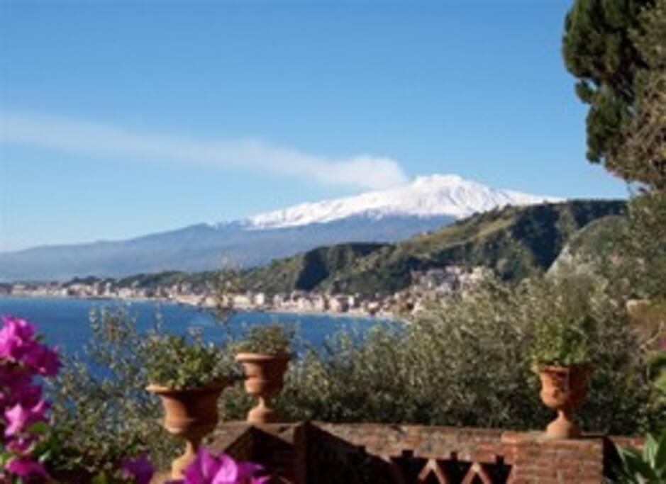 vista Etna da  Taormina