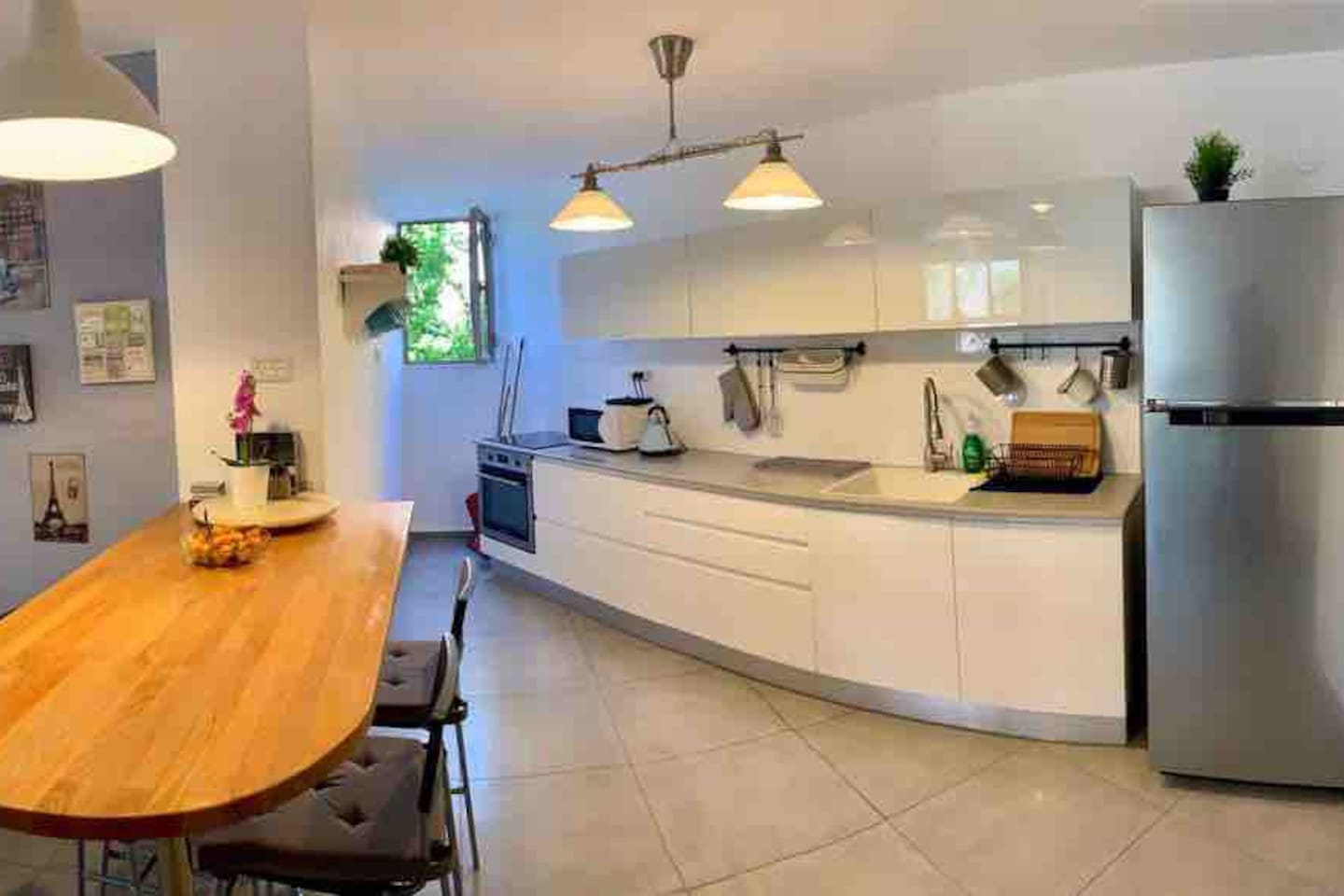 New and well equipped kitchen