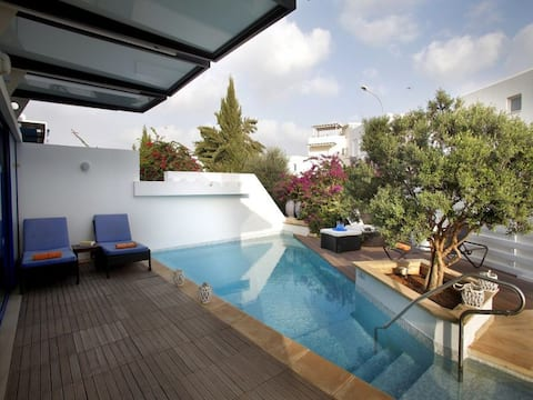 Mykonos, 1 min to Fig Tree Bay,Pool
