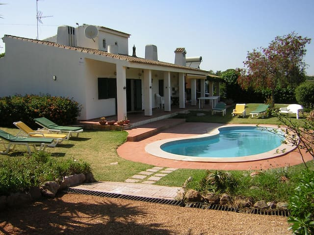 Villa near Albufeira - full privacy - アルブフェイラ - 別荘