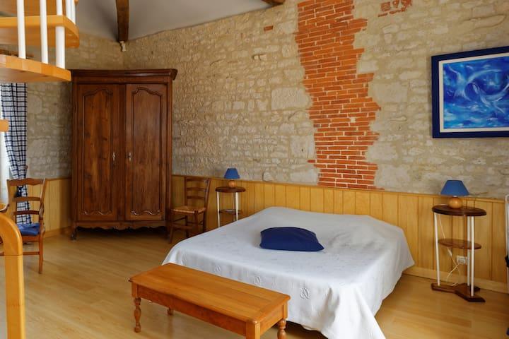 Chambre avec mezzanine - p'tit dej inclus