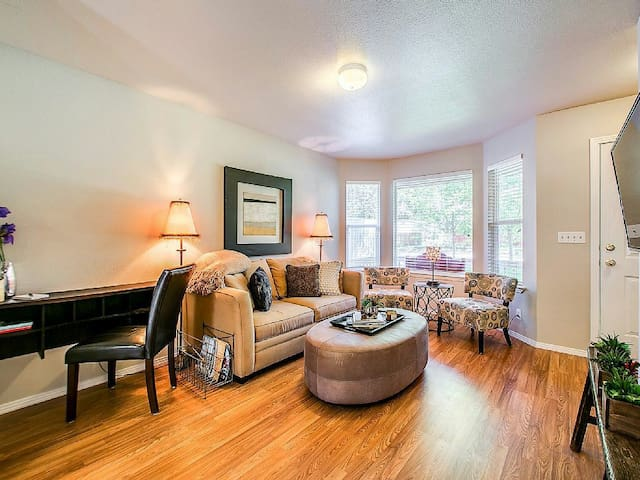 Updated Urban - Boise - Apartment