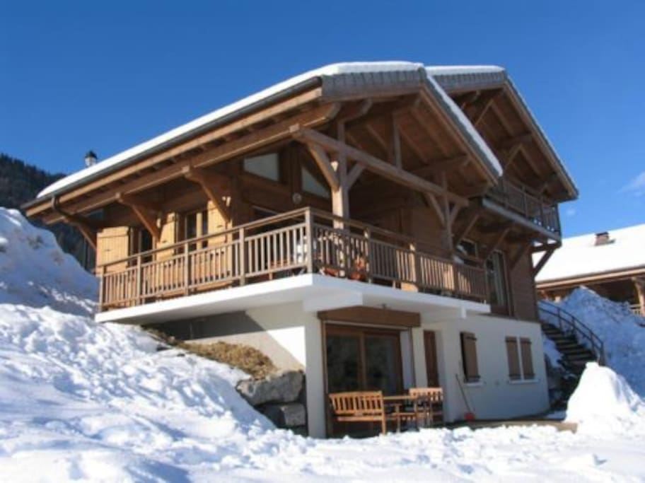 Superb newly built Chalet centrally located in Port du Soleil ski area