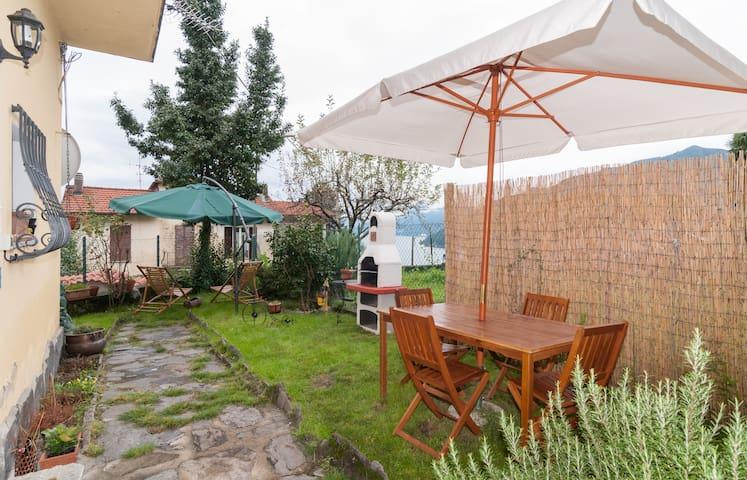LAGO MAGGIORE Borgo Veddo(Maccagno) - Maccagno - House