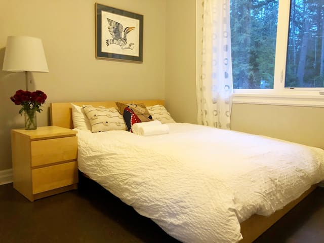 Private Sea-to-Sky Guest Suite (30 Mins Whistler)