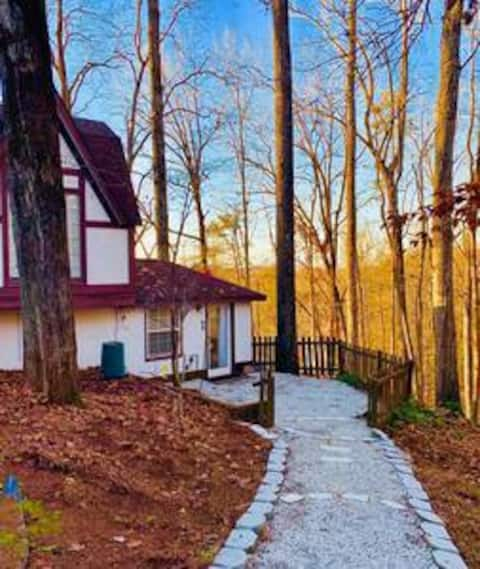 Maplewood Cottage at Saluda River Farms