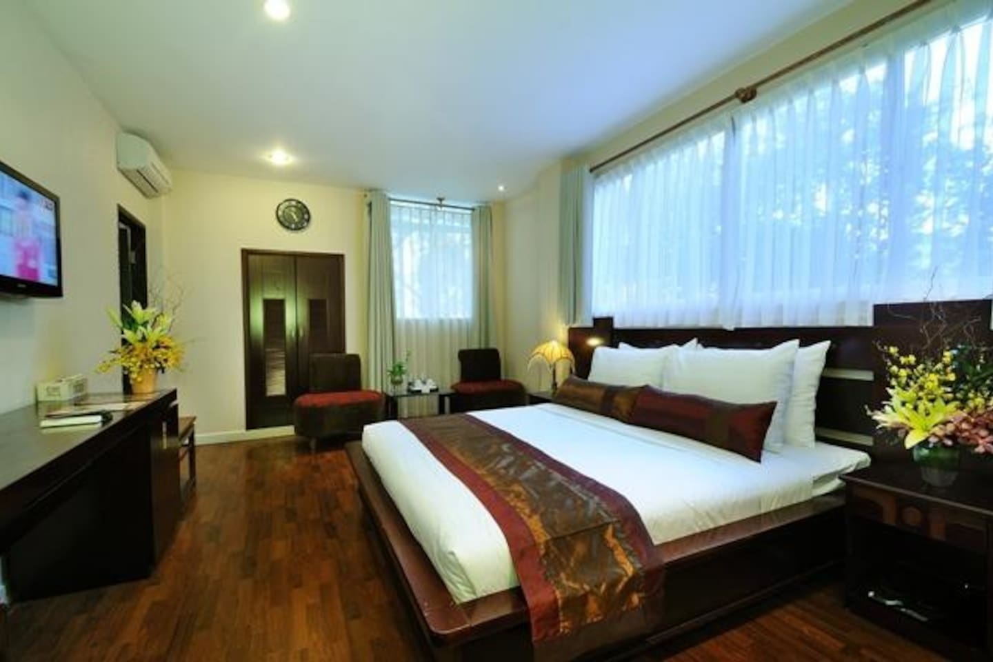 Deluxe room near Ben Thanh Market