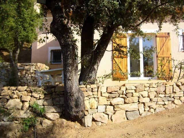 Corse, une location en toute tranquillité - Ajaccio - Villa