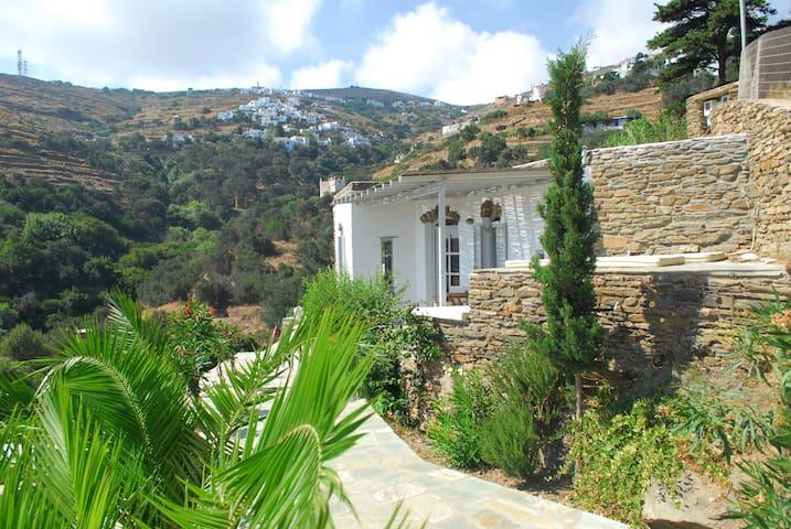 Garden Guesthouse, views, nature - Triantaros - House