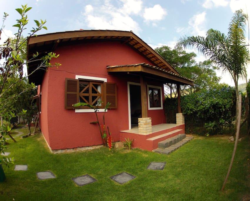 Casa na praia meio da joaquina casas para alugar em for Casas santa catarina