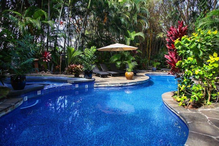 Luxurious Hawaii Wedding Estate