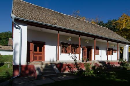 Mecsek Farmhouse /// Mecseki Tanya - Apátvarasd - Gästehaus