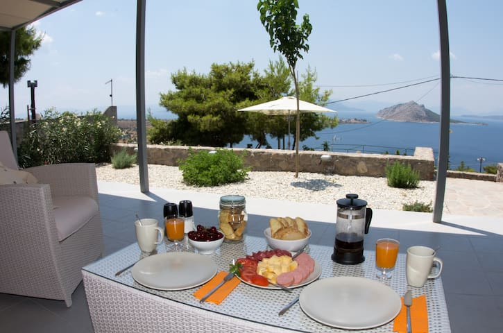 Spiti Aeginitissa - by Relax in Greece - Aegina Island - House