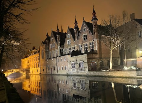 Seja nosso hóspede @ Bruges na Maison DeLaFontaine