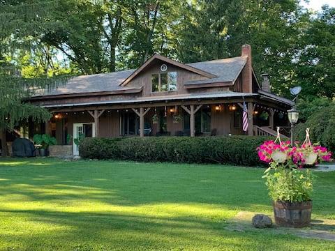 Hemlock Home, Heated Indoor Pool, Lake, 115 Acres