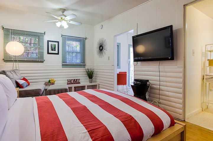 Cozy studio guest house full of Venice charm - Los Angeles - Apartment