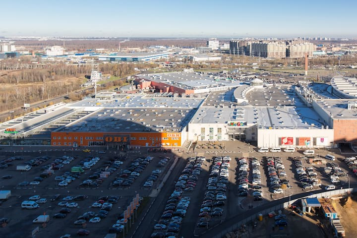 Right near the apartment building you can see the shopping centre, which is called Mega Khimki that has over 30 restaurants and brand boutiques, but also just a general grocery store and shops with necessities, which make it extremely convenient.