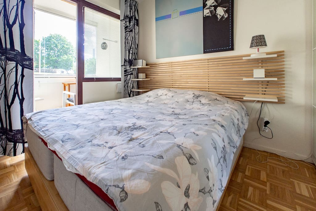 Bedroom with a high quality double bed & balcony