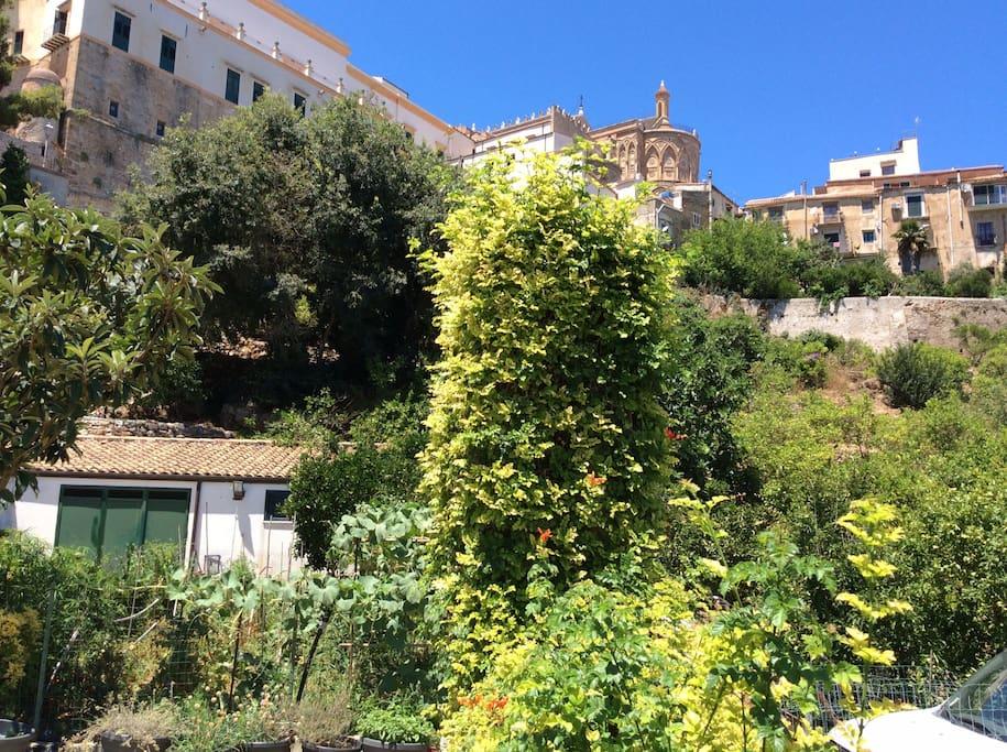 Vista absidi della cattedrale di Monreale dalla B&B