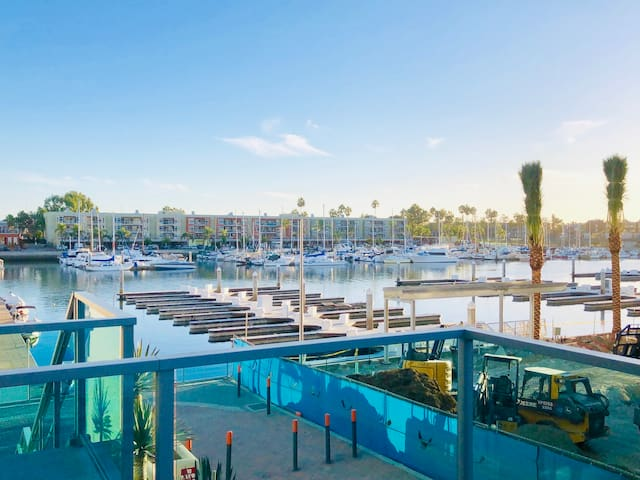 Marina OCEAN VIEW Breathtaking Luxury Condo