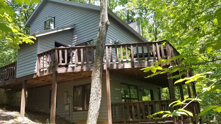 Beautiful Wintergreen Retreat