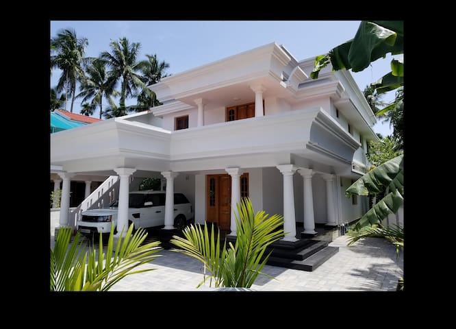 LuxuryVillasofGuruvayoor(Spacious/5min to Temple)