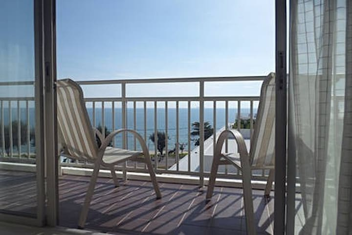 Sea view apartment B71
