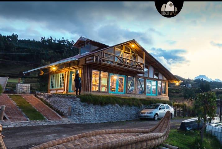 Habitación Triple con vista al Lago San Pablo
