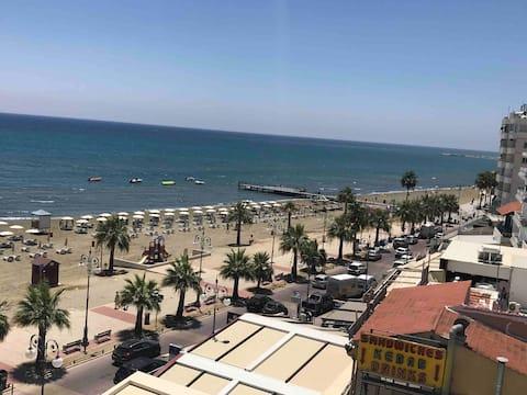 Krásny 1 lôžkový apartmán v centre mesta Larnaca