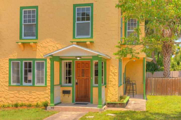 Eclectic three bedroom walking distance to Stetson